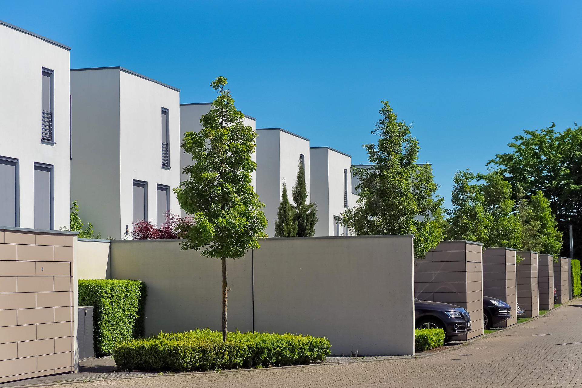 Maisons modernes en lotissement
