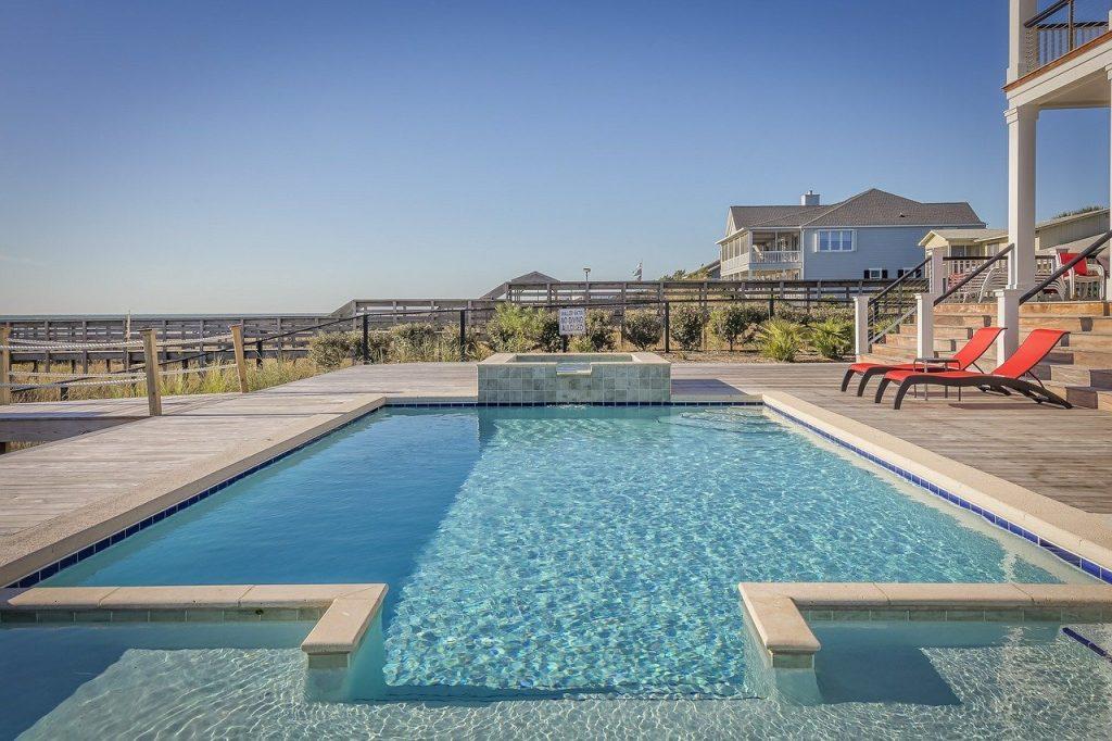 grande piscine rectangulaire